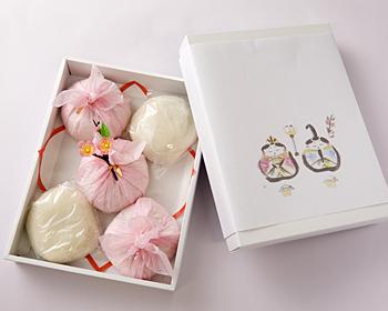 桃の節句餅5個入り(白もち2個・つぶあん/紅もち3個・こしあん)